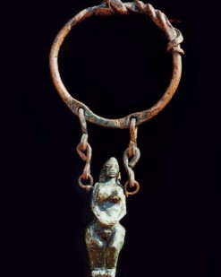 Necklace Goddess carving